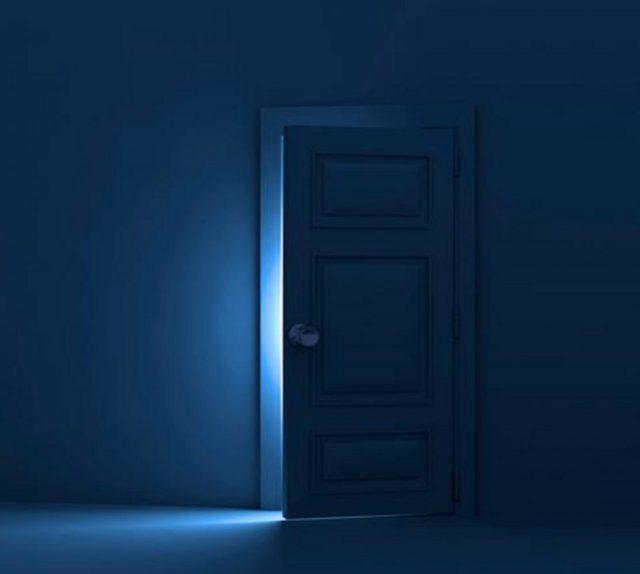 cropped-puerta-azul-2560x6404.jpg
